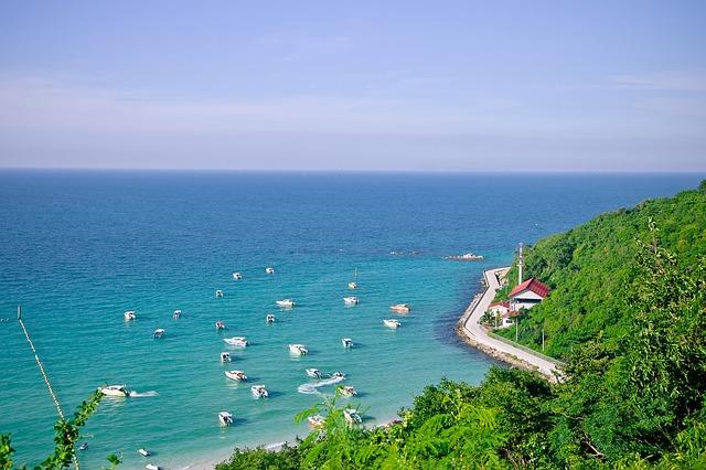 Đảo Tuần Châu thu hút du khách bởi phong cảnh non nước hữu tình